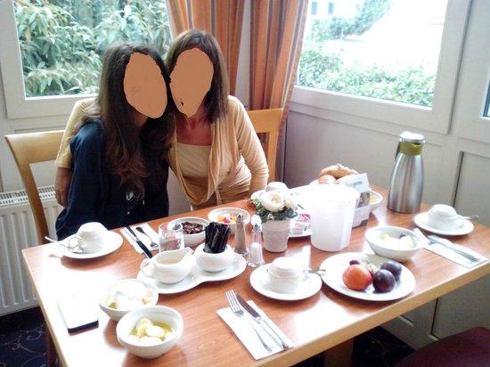 Excelsior Hotel Luebeck: Breakfast