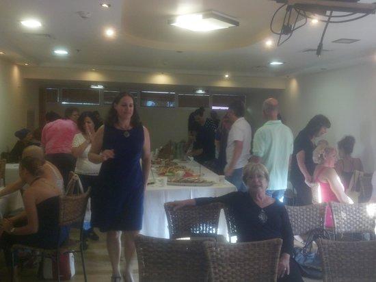 U Coral Beach Club Eilat: Having fun at U Coral Beach Club