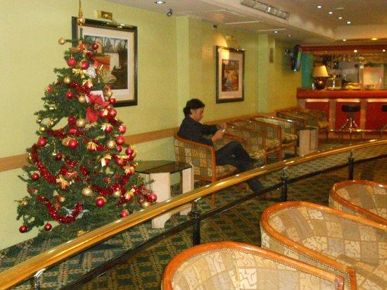 Sarmiento Palace Hotel: Salão de Espera / bar