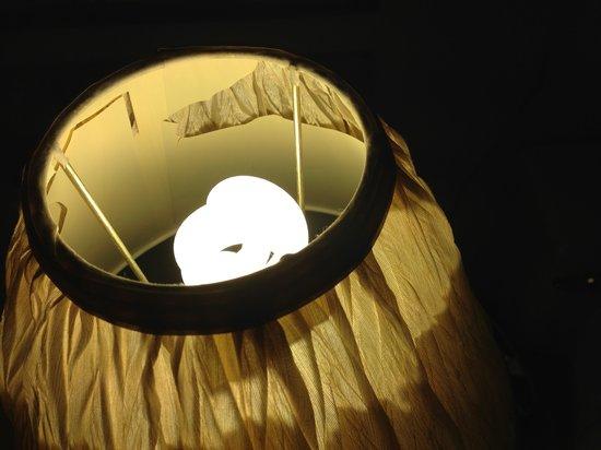 Sunshine Inn: Broken Lamp Shade