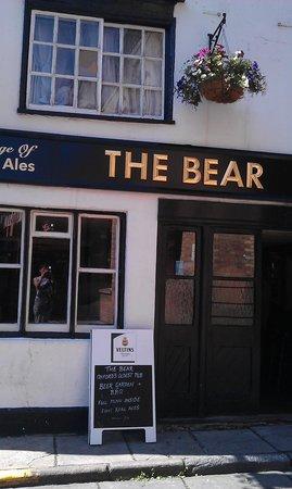 The Bear Inn: Nice cold pint