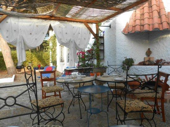 Casa la Felicidad: Breakfast terrace