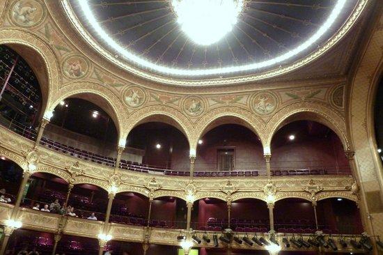 Chatelet - Theatre Musical de Paris: classical theatre hall
