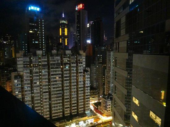 Holiday Inn Express Hong Kong Causeway Bay: Vista do quarto