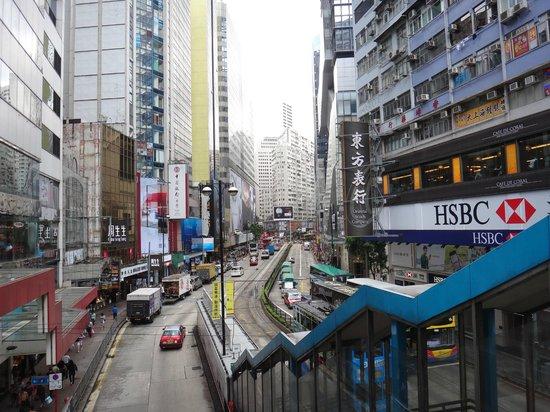 Holiday Inn Express Hong Kong Causeway Bay: Próximo a Hennessy Road que tem muitas lojas e metro
