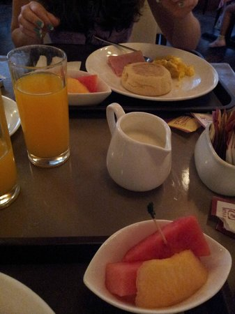 Holiday Inn Express Hong Kong Causeway Bay: Café da manhã / breakfast