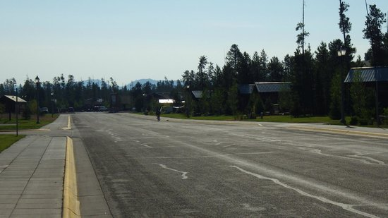 Explorer Cabins at Yellowstone: Grizzly Avenue