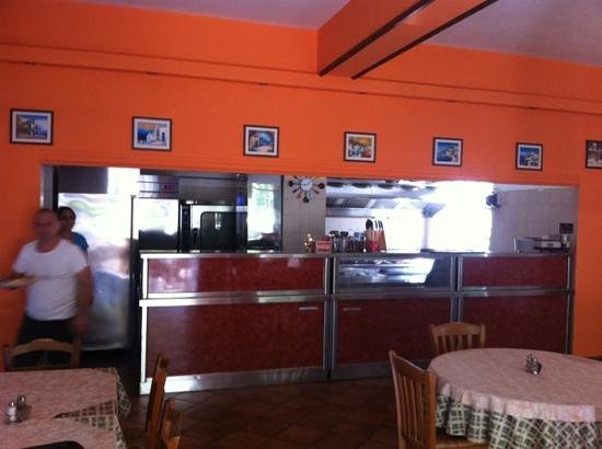 Garden of Taste Tavern : Inside