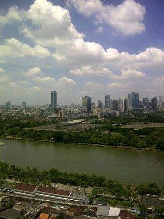 Somerset Lake Point Bangkok : view from balcony