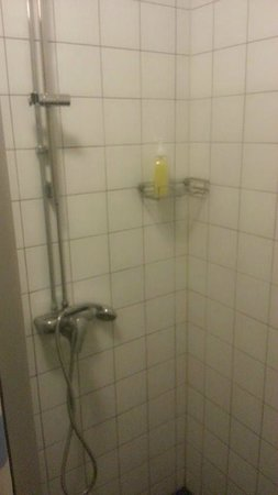 Interhostel: Available shower gel.