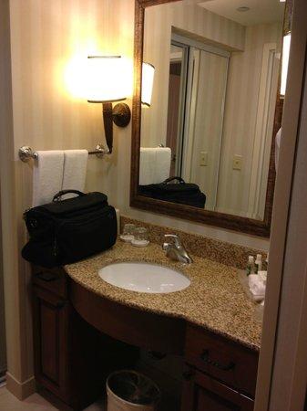 Homewood Suites Bentonville - Rogers : vanity area