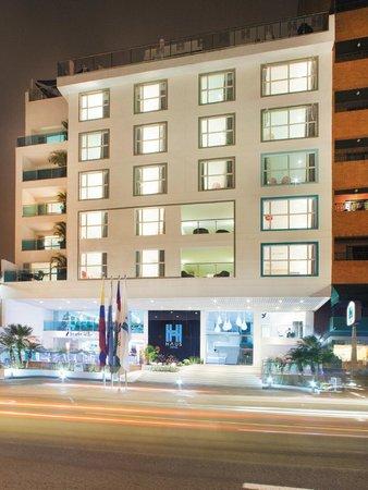 Haus Hotel: FACHADA