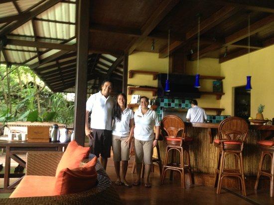 Latitude 10 Beachfront Resort: Our new friends