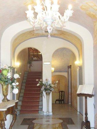 Villa Bianca Hotel : L'entrée de l'hotel