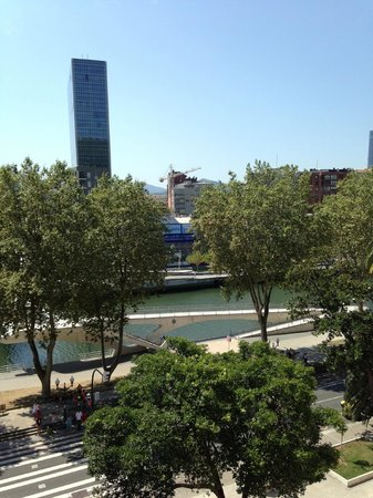 Hotel Conde Duque Bilbao: Vista dalla stanza 601