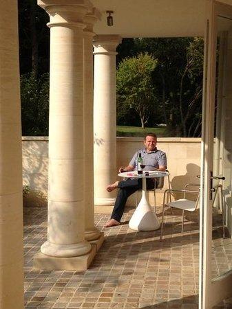 Rudding Park Hotel: sunny terrace