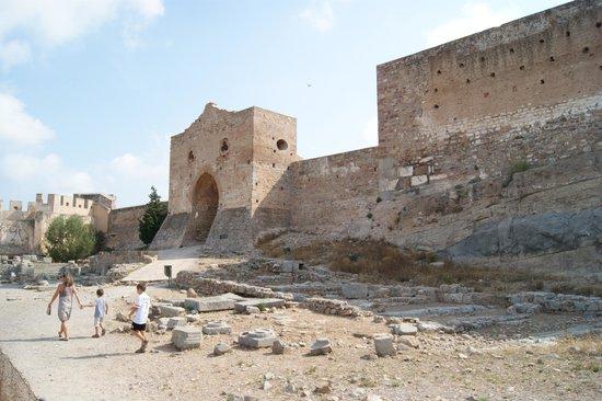 Paseo por el foro romano fotograf a de castillo y teatro for Oficina turismo sagunto