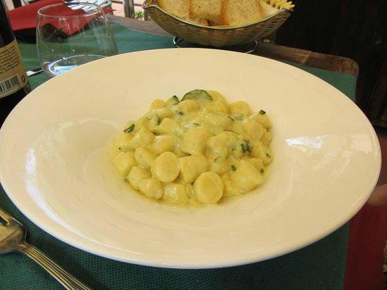 Ristorante 13 Gobbi: Gnocchi fatti in casa con zucchine