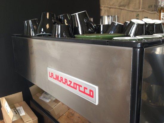 Micro Roastery: La Marzocco