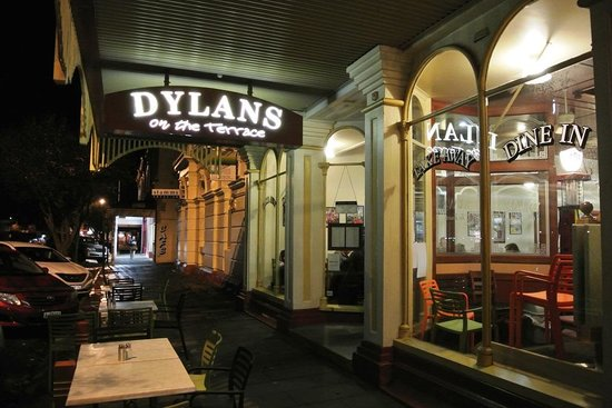 Dylans on the Terrace: Entrance