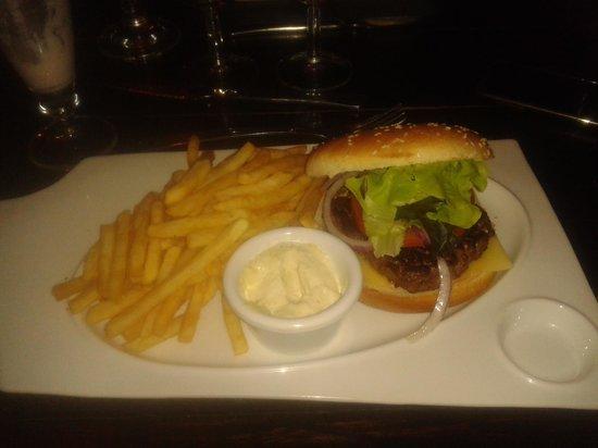 Rocher des Pirates : hamburger
