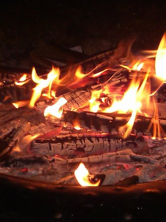 Heritage of Lake George Motel: The fire pit!