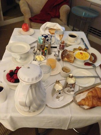 Fairmont The Queen Elizabeth : breakfast