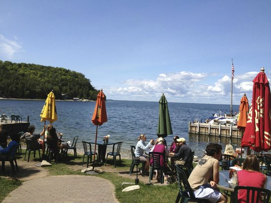 Fred & Fuzzy's Waterfront Bar & Grill: A very informal outdoor setting, but beautiful view