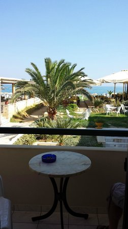 Odyssia Beach Hotel : balcony view to bar and beach