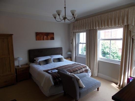 Old Shanklin Guest House: st Helen's room