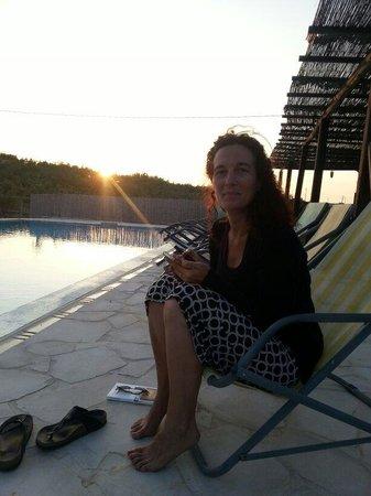 Agriturismo Re Carrubo: Chiara a bordo piscina