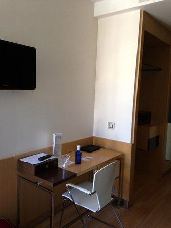 Hotel Via Gotica: scrivania