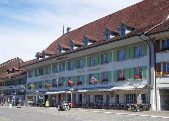 Hotel Krone seen from front square