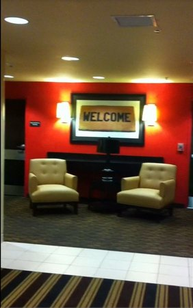 Extended Stay America - Chicago - Hillside: Extended Stay Lobby - Hillside, IL