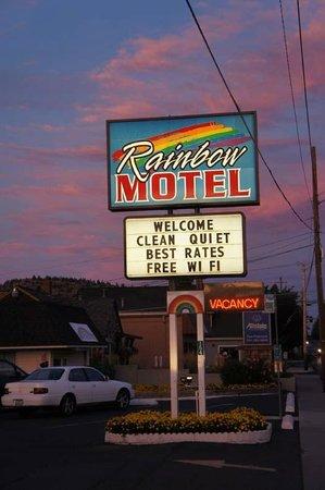 Rainbow Motel : Sunset