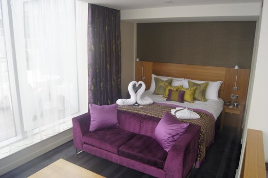 Apex London Wall Hotel: Bed