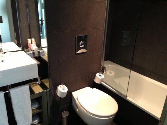 H10 Casanova: salle de bains