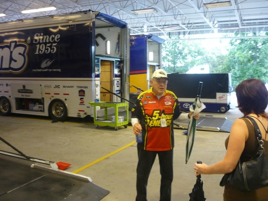 Michael Waltrip's Raceworld: Dean talking about the max weight allowed in Haulers