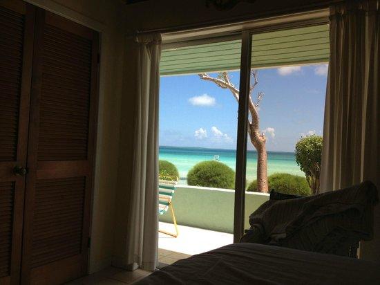The Barefoot Beach House : Vista dalla stanza dell'appartamento più grande