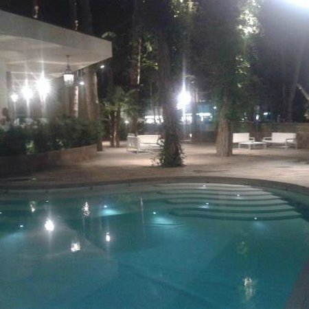 Hotel Belvedere: piscina di notte