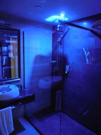 Hotel Metropolis: Foto della luce relax nella doccia