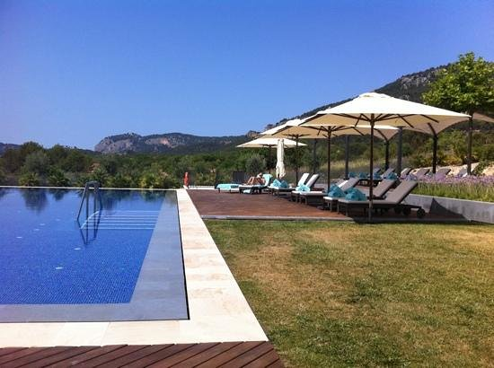 Castell Son Claret: pool, peace n quiet