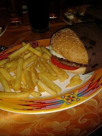 Indian Soul Cafe : cheese hamburger