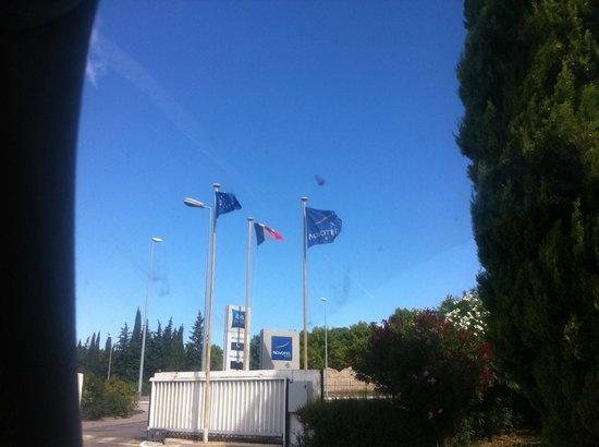 Novotel Marseille Est: entrance