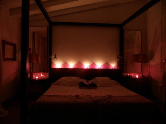 La Malcontenta Hotel: Room made romantic for our anniversary