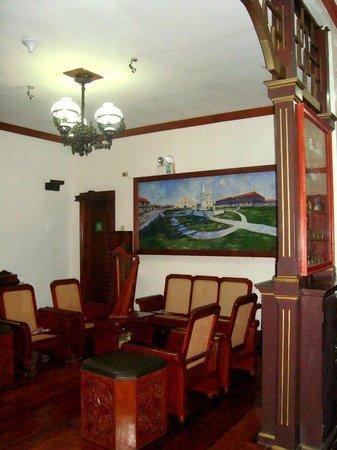 Grandpa's Inn : living room on the 2nd floor