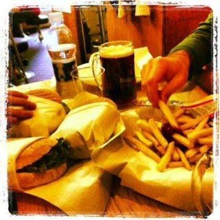 Margy Burger: panini e patatine