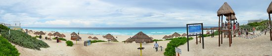 Playa Delfines : Vista panorámica