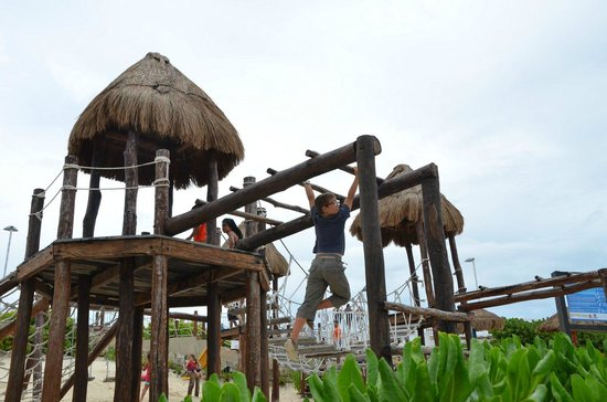 Playa Delfines : Zona de Juegos