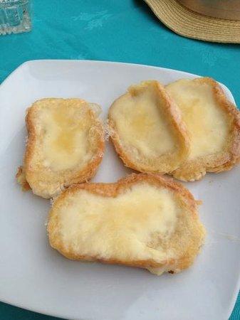 Bailey's Cafe Bar: garlic Bread